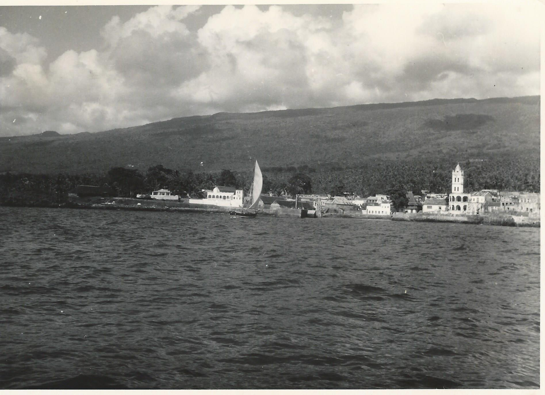 Moroni, Comores, Indian Ocean.  The white tower is the Badjanani Mosque